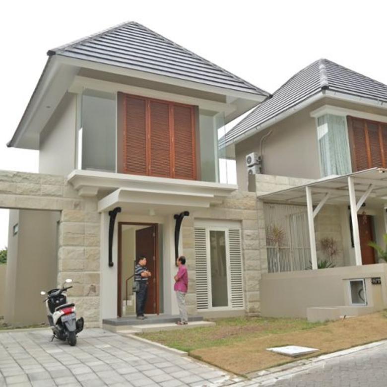 Rumah Modern di Lingkungan Elite Citra Grand Mutiara