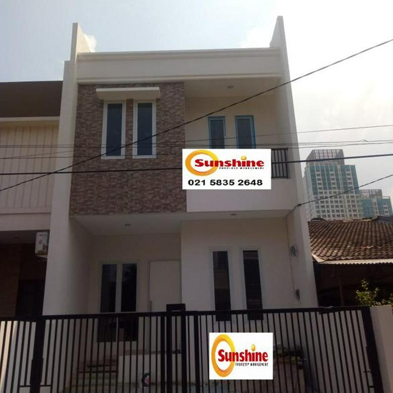 Rumah 2,5 Lantai Jl. Janur Hijau, Kelapa Gading Permai, Jakarta Utara