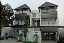 Rumah Serenia Hill Quantum 3 Lantai Jakarta Selatan