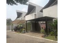 Rumah Minimalis dan Modern di Veteran Deplu, Jaksel
