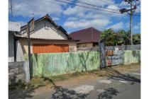Dijual Tanah Bonus Bangunan LT 1.666 m2 Dekat Alun Alun Sleman Jogja