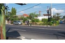 Tanah posisi hoek jalan utama mahendradatta denpasar