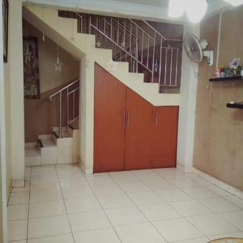 Rumah 2 Lantai di Komp Bea Cukai Sukapura