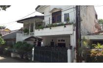 Rumah di Cipete, Dalam Kompleks Perumahan, Hadap Timur, SHM, LT 120 m2