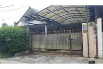 Dijual rumah 2 lantai, SHM, terawat, lokasi strategis, semi furnish