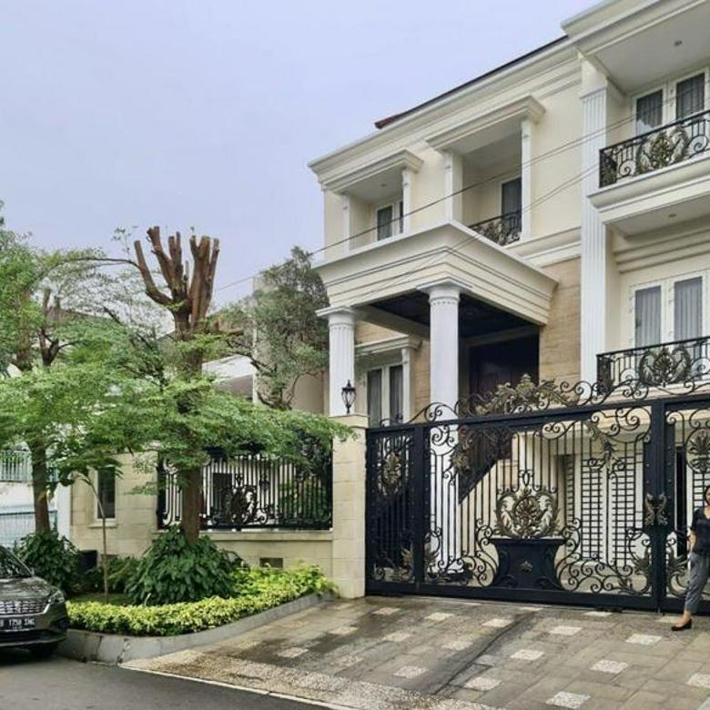 [] rumah mewah dengan design classic modern terletak di kawasan premium @ pondok indah, jakarta selatan