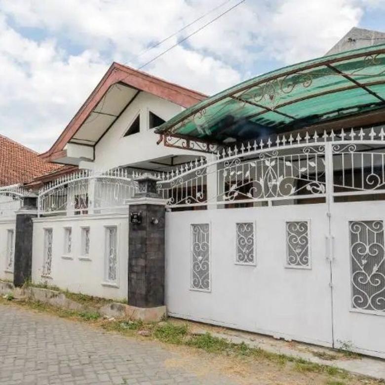 Rumah Luas Dekat Jl. Solo, Hotel Jayakarta, Hotel Sheraton