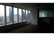 Ruang Kantor The East (Mega Kuningan) Lantai Sedang