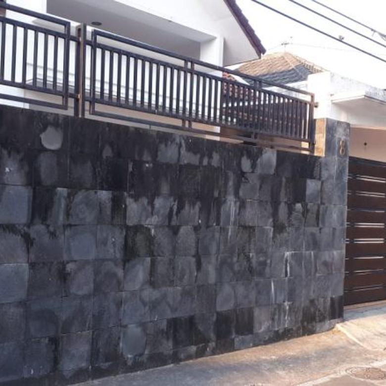 Rumah Hunian Tengah Kota Jajar Laweyan Solo (AB)