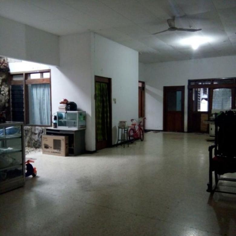 Rumah Nol Jalan Raya Strategis di Manyar rejo