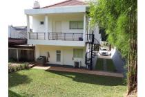 Rumah Hoek, 4 Kamar Tidur, di BSD City, Tangsel