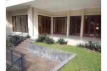 Dijual Rumah Nyaman dan Aman di Kemang Jakarta Selatan