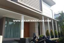 Rumah Dharmawangsa dekat Brawijaya Kebayoran Baru Dijual Murah ada Pool