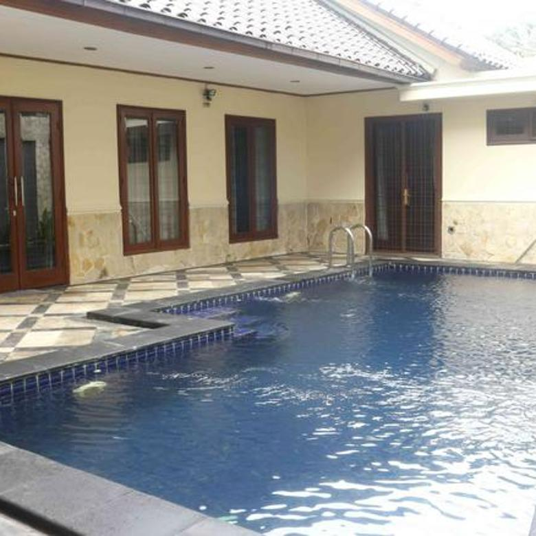 Stand-alone house in Kebayoran Baru, 3 BR with private swimming pool, semi-furnished