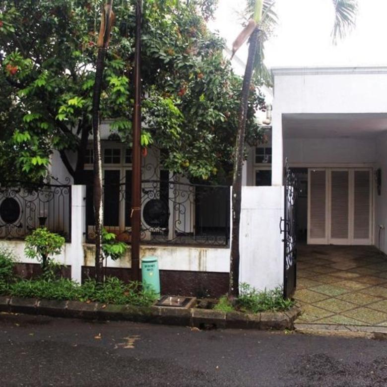 Lebak Bulus Rumah lama di Villa Delima Komplek Perumahan,