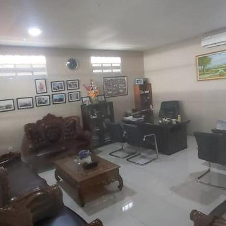 Ruang Usaha posisi pinggir jalan luas 250m di Ciledug Tangerang