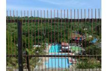 Cluster 2 Lantai Fasilitas Swimming Pool and Green View