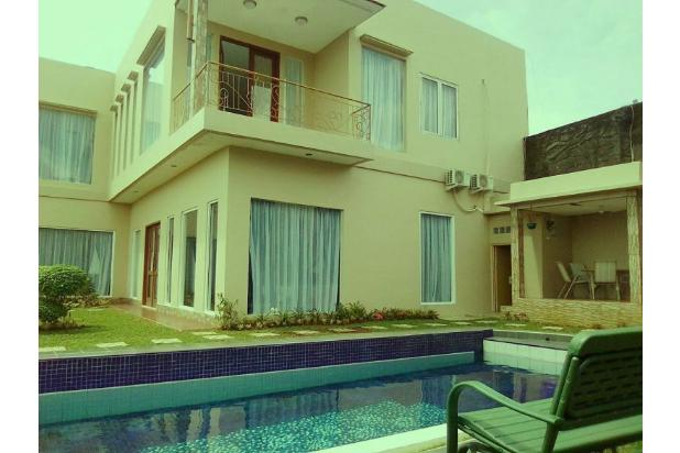 villa besar di cisarua puncak ada kolam renang 20367994