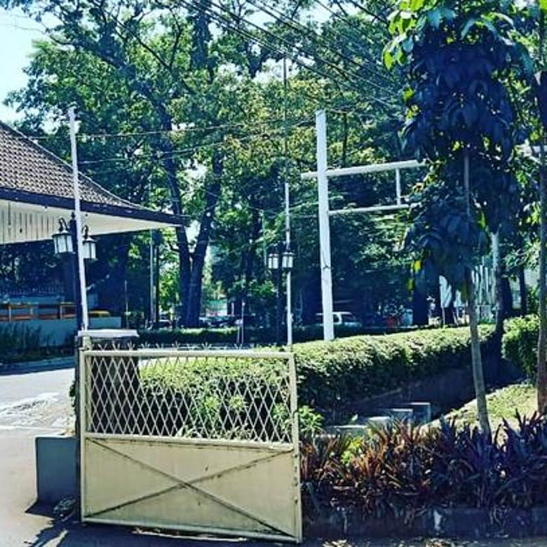 Rumah Dan Tanah Luas Di Supratman Bandung Cocok Untuk Cafe, Kantor, Hotel