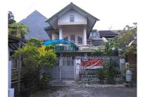 Rumah Asri Include Kolam Renang Daerah Riverside