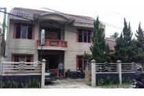 Rumah Mewah Strategis dijalan utama provinsi Bandung -Cirebon  di Sumedang.