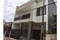 HOT LISTING! Rumah Baru di Rungkut Mapan Barat Luxury Siap Huni