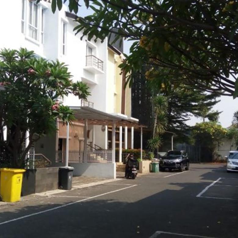 Rumah TownHouse di Marcella Residence Cilandak, JakSel