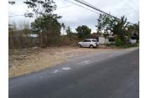 Tanah Pinggir Jalan Dekat Monjali dan YIS