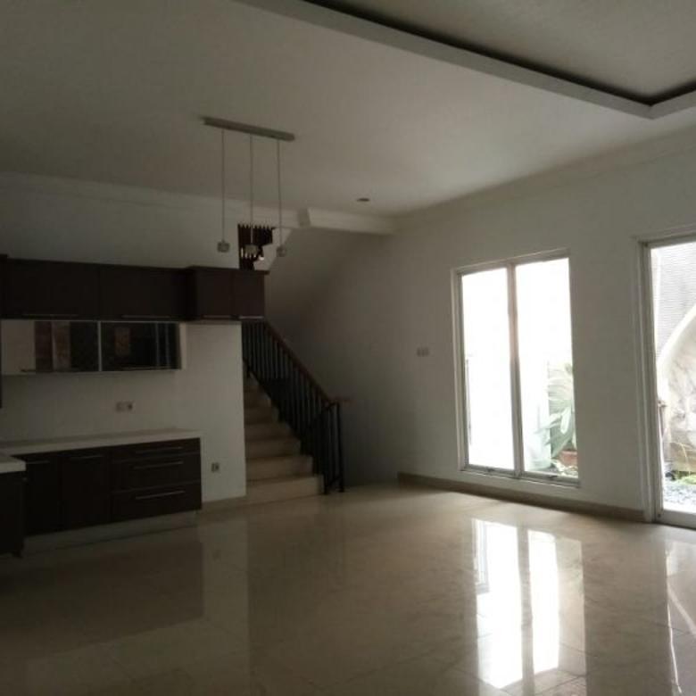 Rumah cantik 2,5 lantai di KEBAYORAN HEIGHT BINTARO JAYA