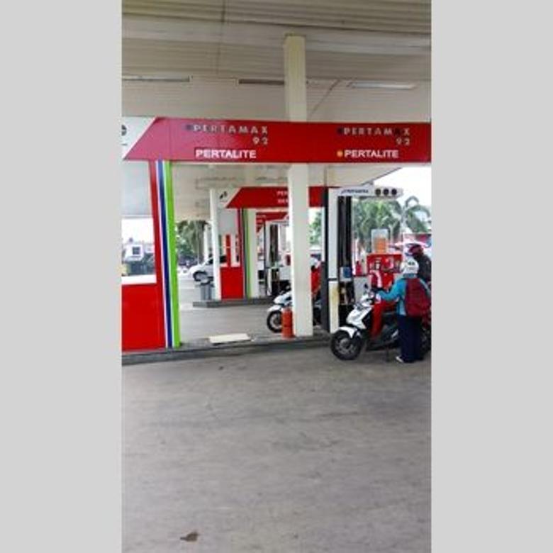 Dijual SPBU - Pom Bensin Jatiasih, Lingkungan ramai