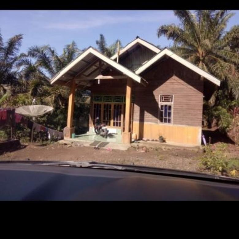 Rumah di tepi Jalinsum Penarik, Bengkulu