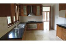 Newly renovated house in Cipete, stand-alone, strategic location, quiet street, 5 BR