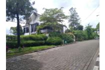 Rumah Bagus Serasa Di Puncak, HargaSangat bagus Luas 300 4.3 M
