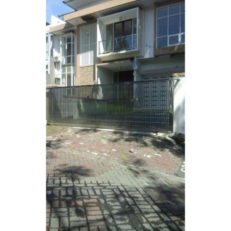 Dijual Rumah Minimalis Jalan Utama, Cluster Mewah di Graha Famili