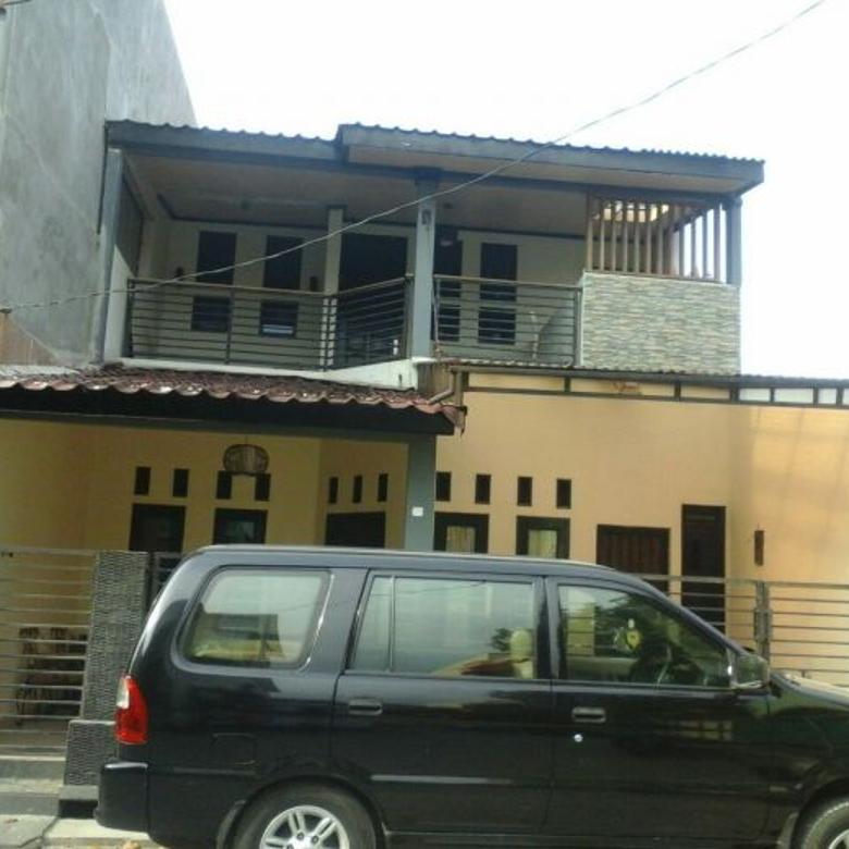 Rumah minimalis dua lantai di pejuang jaya,