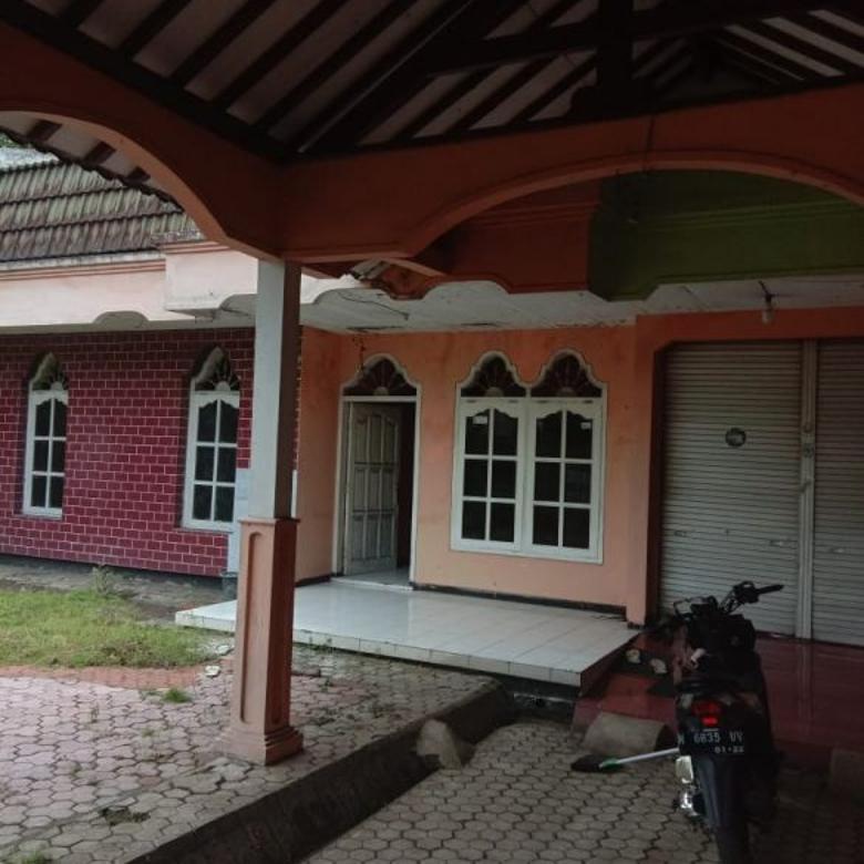Jual rumah hitung tanah nol jalan raya kabupaten lumajang
