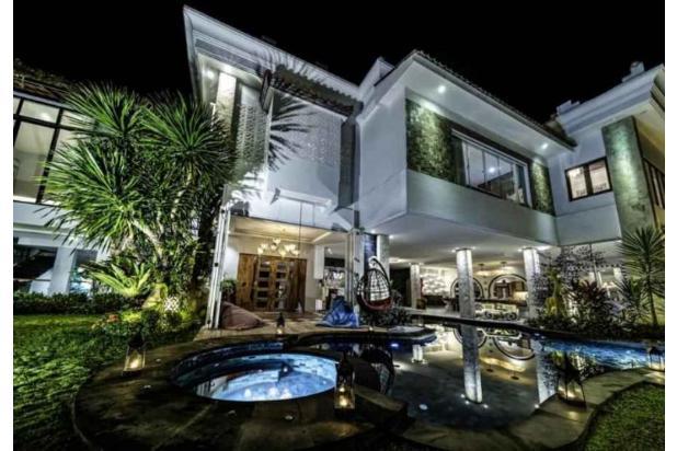 Rp12mily Vila Dijual