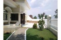 Rumah di Puncak Dieng Malang, Hook-Pojok