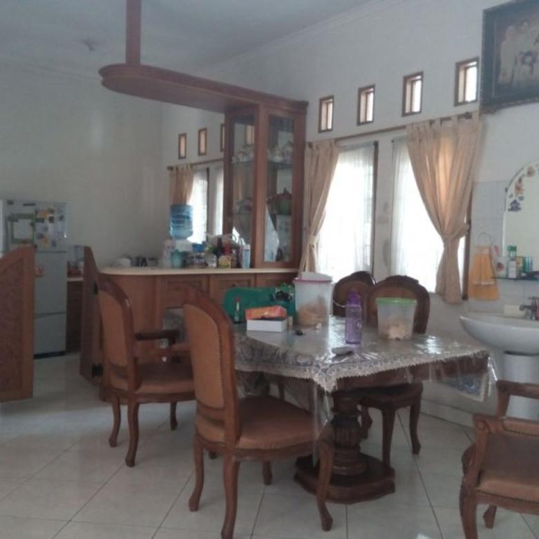 villa dijual daerah sekitar Obyek Wisata  Lembang