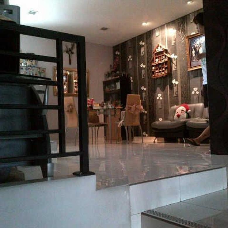 DIJUAL RUMAH FULL FURNISH di Gading Residence ,NEGO