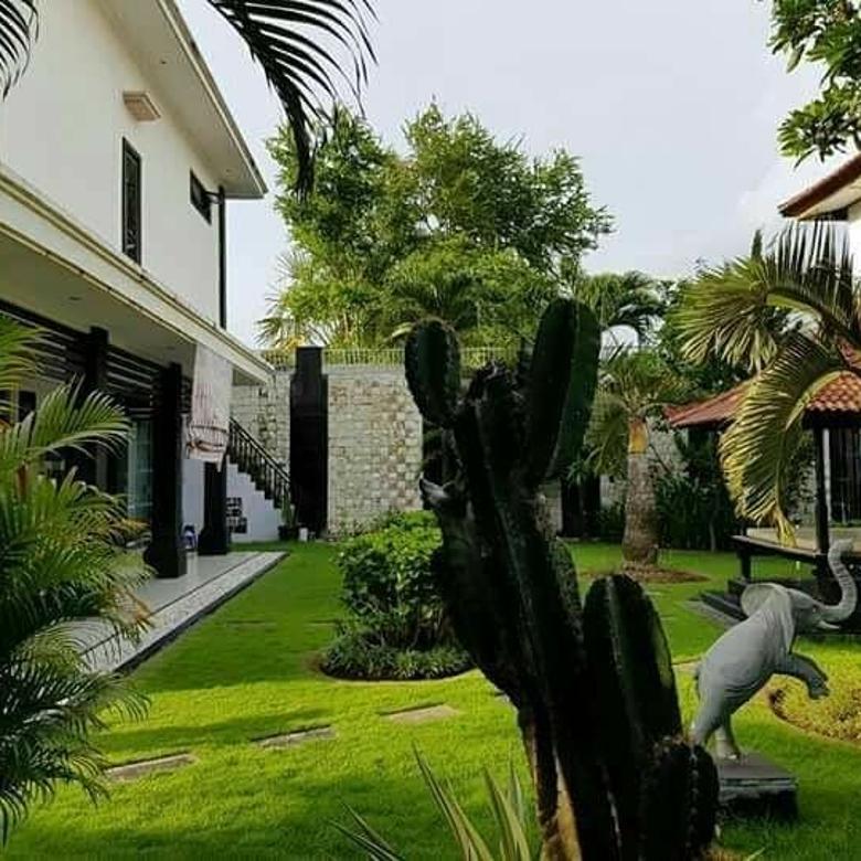 Dijual Rumah Style Vila strategis di By pass mumbul Jimbaran.