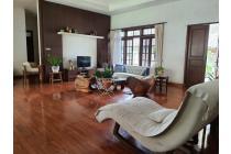 Rumah untuk usaha di Jagakarsa M. Khafi  Jakarta Selatan  luas 2.380 m harga 9,5 jt pm2