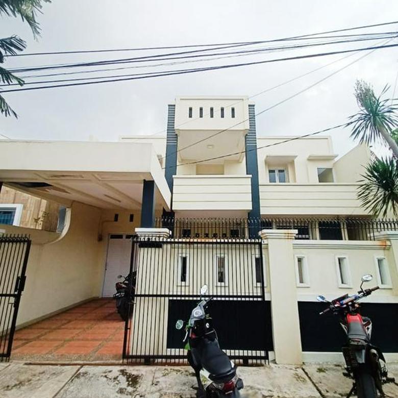 Rumah untuk usaha di Bintaro Tengah Sektor 2 luas tanah 250 m2