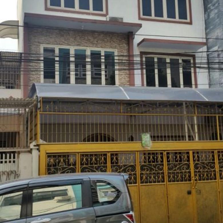 Rumah 3,5 lantai di Kebon Jeruk, Hayam Wuruk Kota