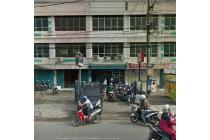 Ruko daerah ramai hadap jalan di Kapas Krampung, Surabaya