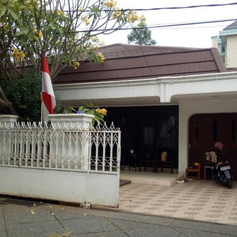 Rumah Bagus di Lokasi Indah No. E2, Warung Buncit Jakarta Sela