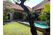 Villa for rent in Sanur Beach Side.