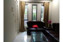 Rumah Cantik di Bintaro Sektor 2