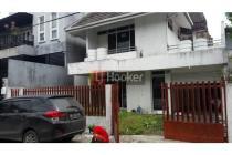 Rumah 2 lantai yang luas di Kelapa Hijau, Kelapa Gading, Jakarta Utara