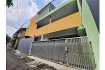 Rumah Cantik Cocok Untuk Kost2 an Di Pejaten Dekat Kampus UNAS